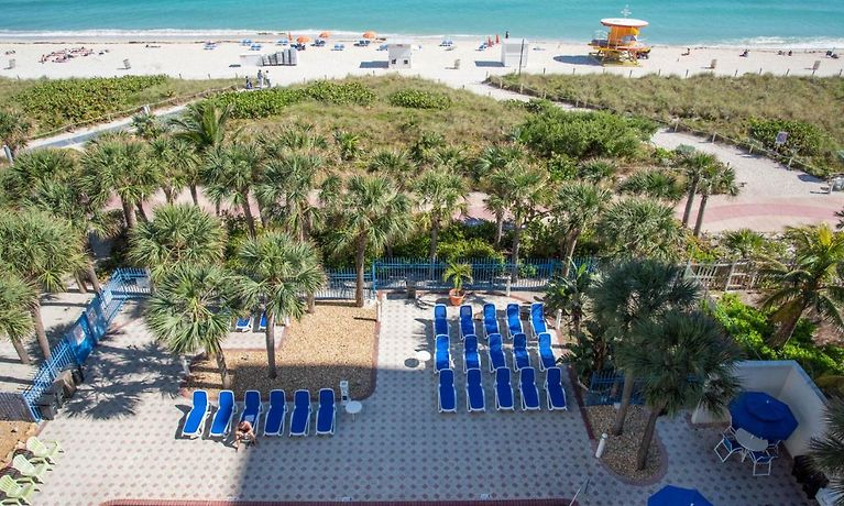 Crystal Beach Suites Hotel Miami